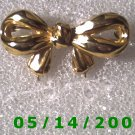 Gold Bow Pin    B011