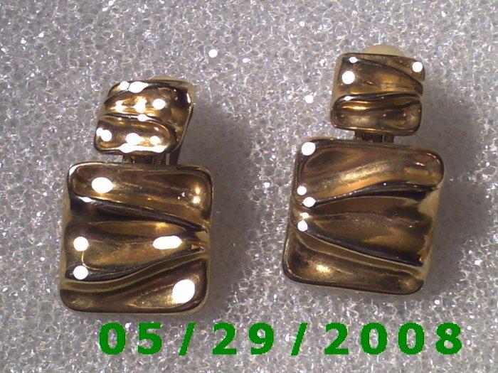 Gold Clip On Earrings    D042