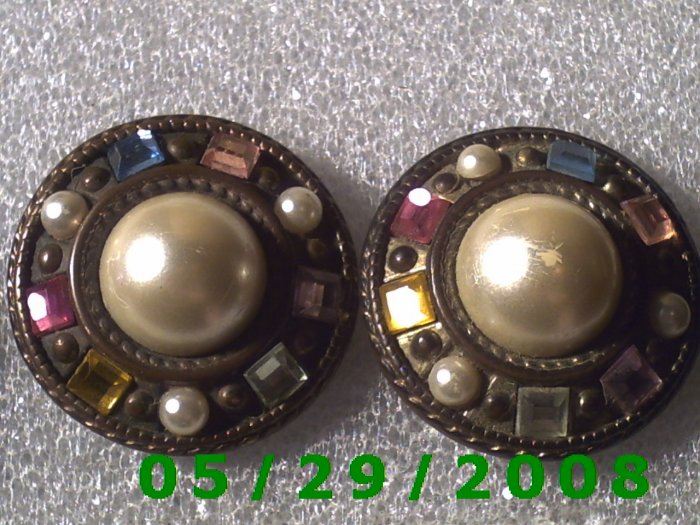 Multi Colored Stones Clip On Earrings    D062
