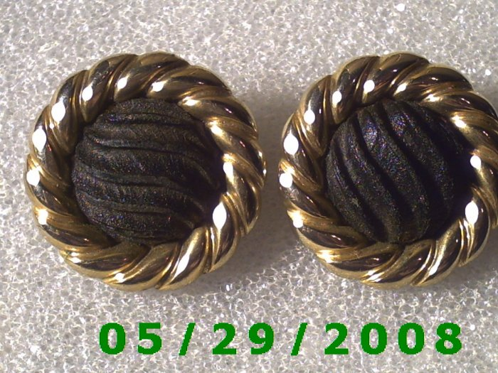 Gold n Black Clip On Earrings    D068
