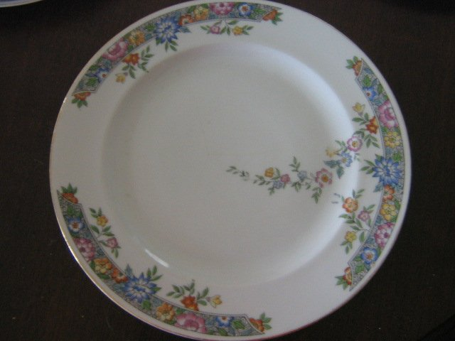 Hutschenreuther Selb Bavaria Dinner Plate Floral Craft Moasic