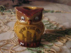 vintage .. OWL .. Souvenir tooth pick holder New York..MIJ