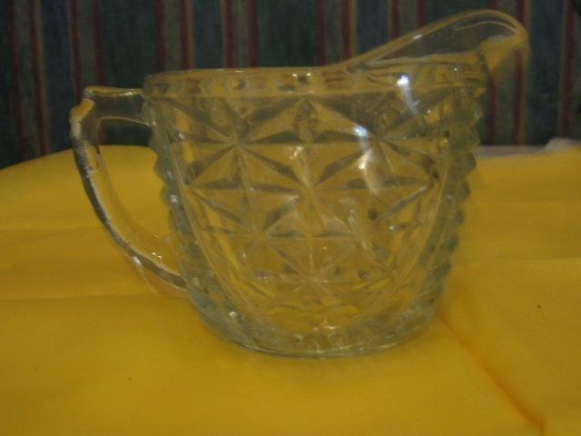 glass vintage Creamer .. Jacob's Ladder & Daisy Pattern