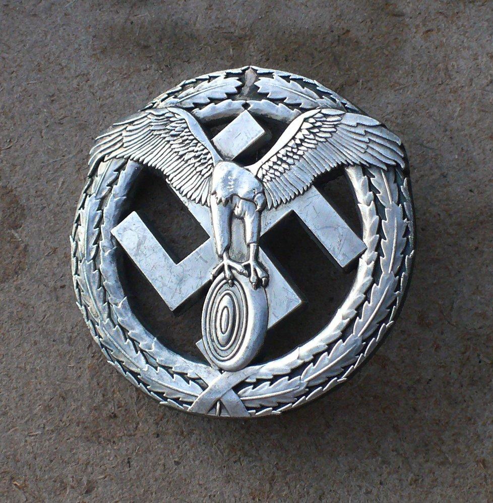 WWII THE GERMAN BADGE.Motorsport .. Silver. Third Reich. Nazi. .