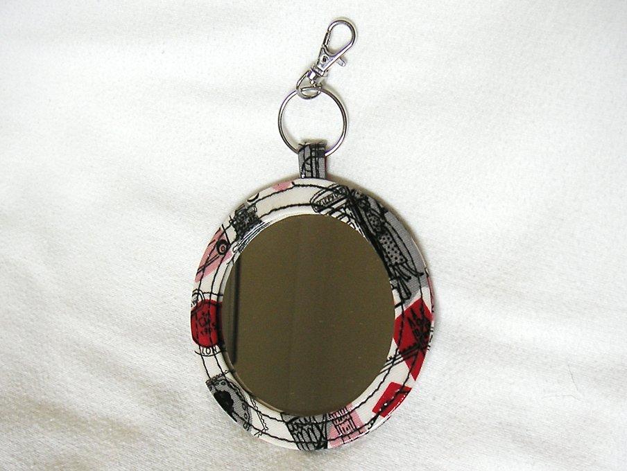 Round PVC Cotton London Pocket Mirror Handbag Key Charm Essential