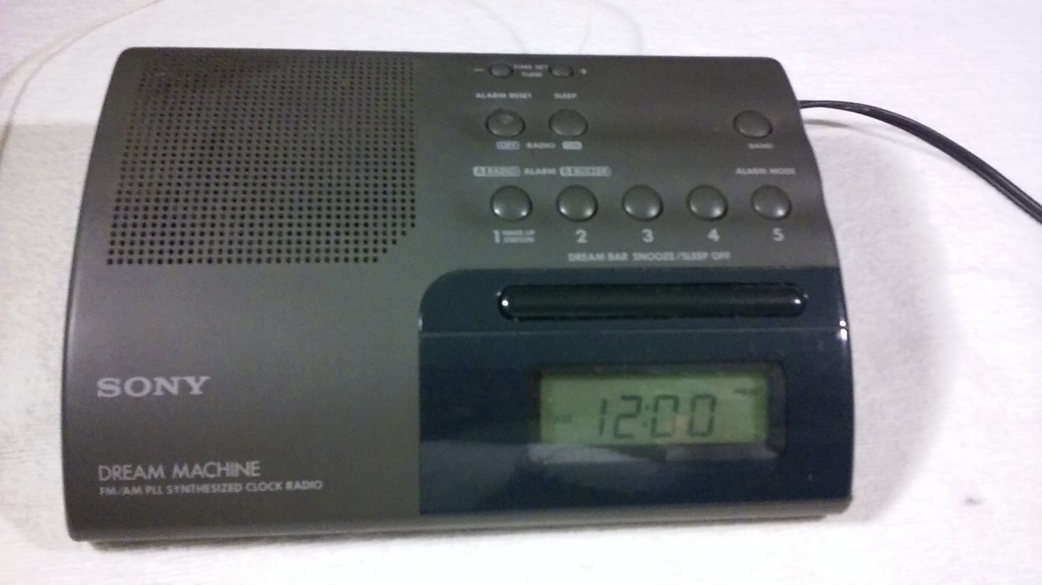 Sony  VTG Sony Dream Machine Alarm Clock Radio