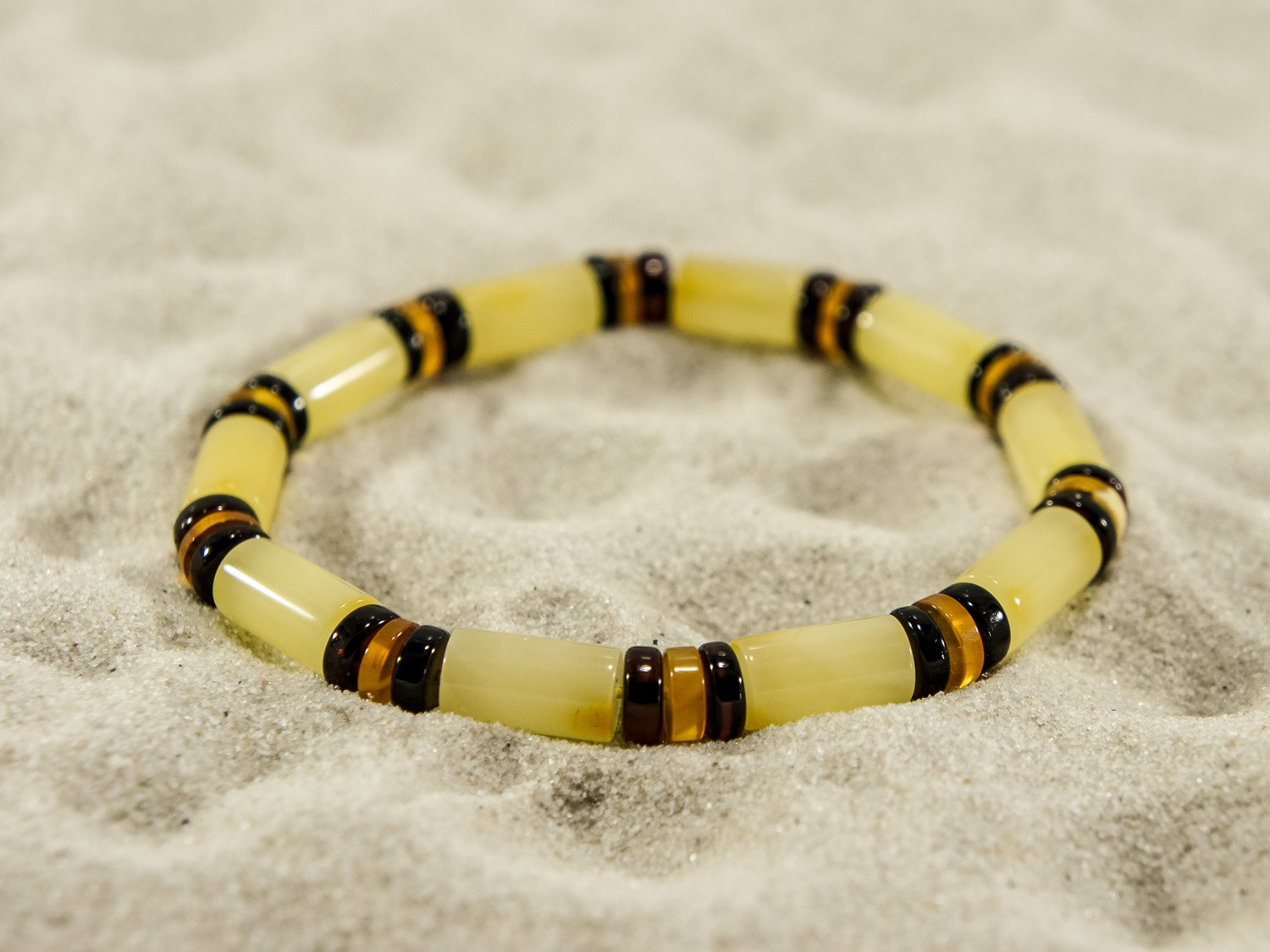 Natural handmade bracelet with cylinder beads.