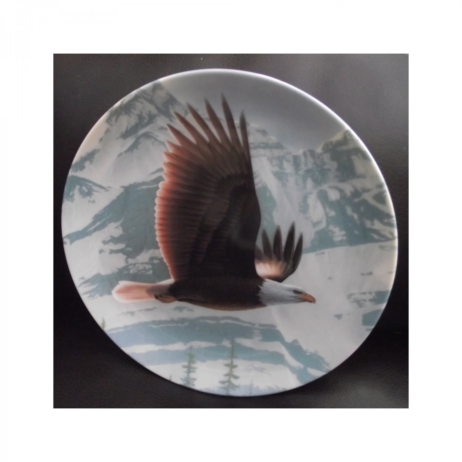 "Bradex Collectors Plate ""The Bald Eagle"" THE MAJESTIC BIRDS"