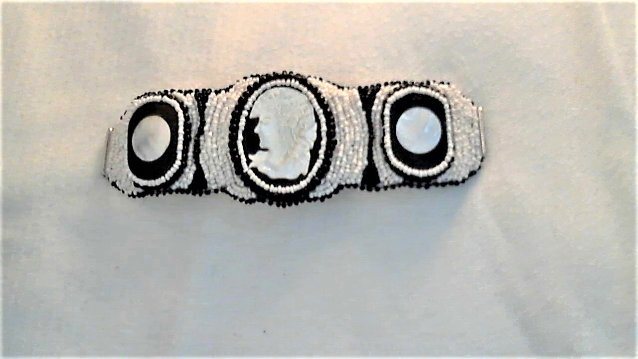Cameo White Black Mother Of Pearl Bead Embroidery Bracelet