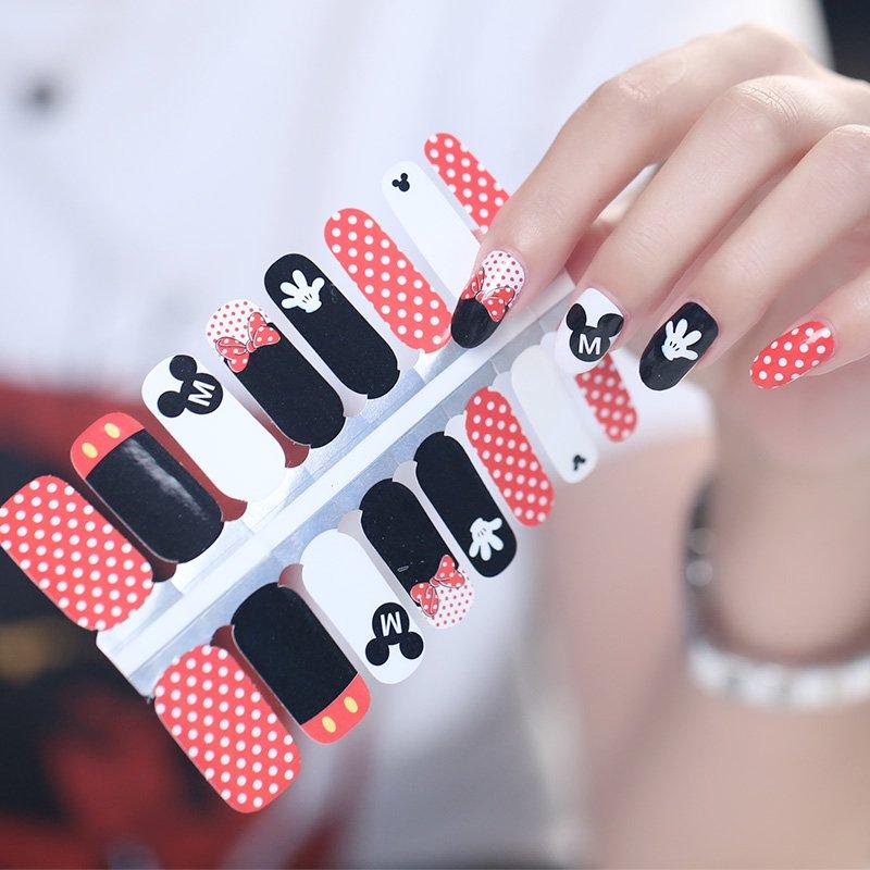 Classic Mickey & Minnie Nail Art