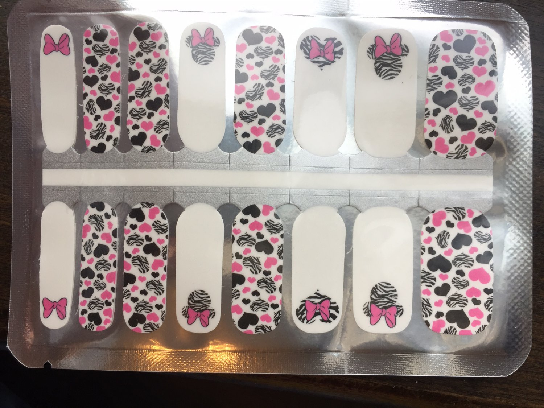 Zebra Minnie Nail Art