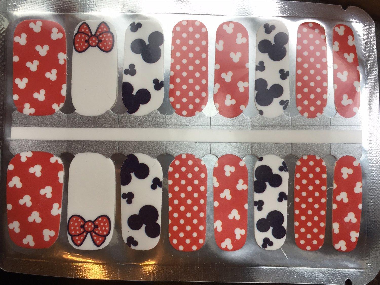 Mickey & Minnie Nail Art