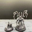 2pcs Fabius Bile & Surgeon Acolyte Apothecary Chaos Space Marine Warhammer Resin Model 1/32 Figures