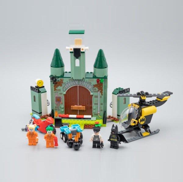 Batman and The Joker Escape DC Comics Super Heroes Building Blocks Toys Compatible 76138 Lego