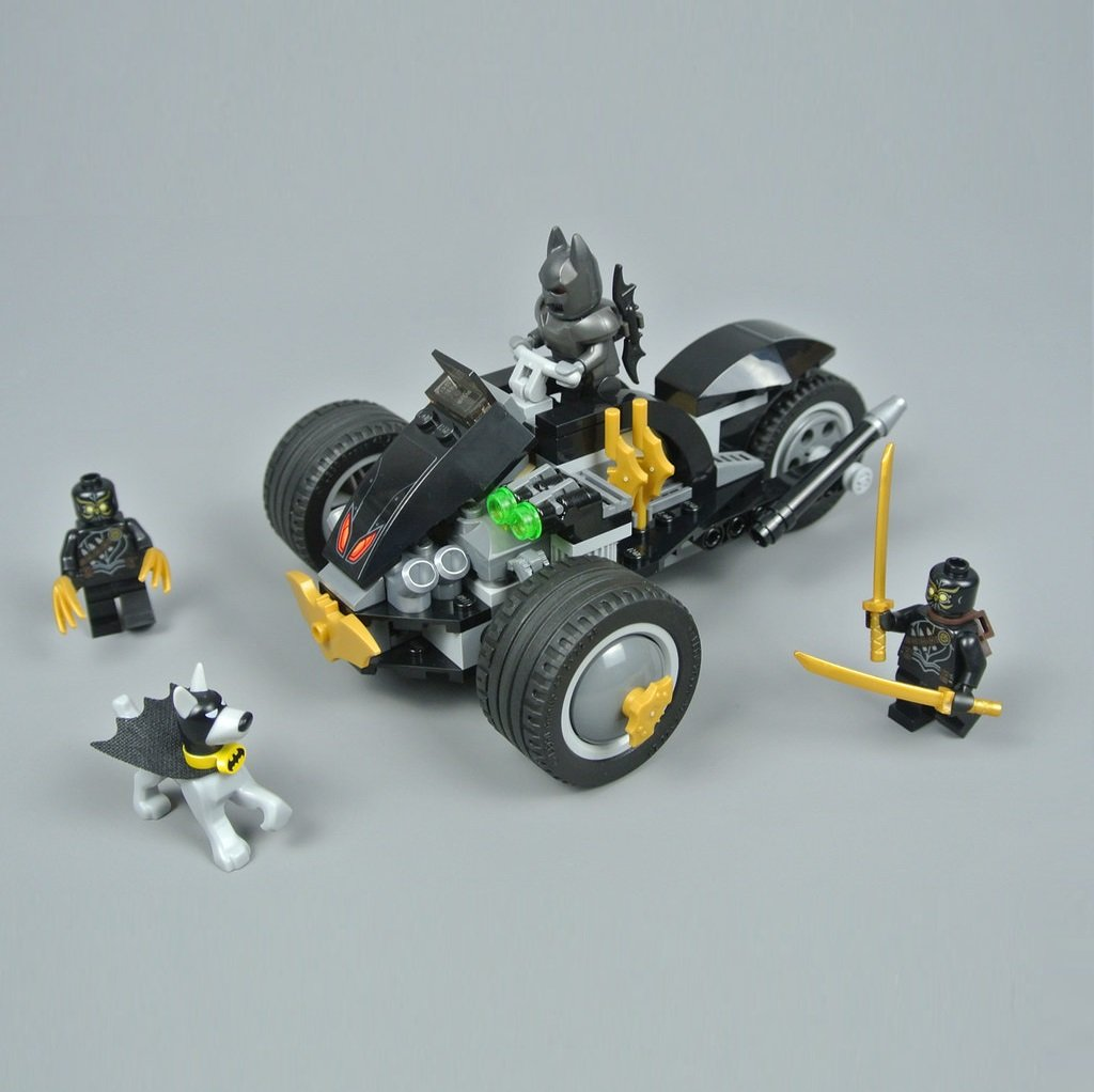 Batman: The Attack of the Talons DC Comics Super Heroes Building Blocks Toys Compatible 76110 Lego
