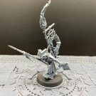 1pcs Skaven Warlord The Island of Blood Fantasy Warhammer Resin Models 1/32 Figures
