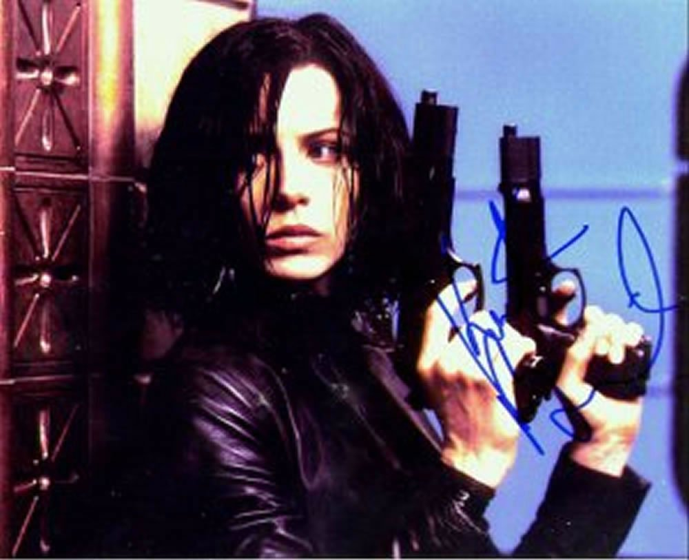 "Kate Beckinsale | Underworld 5 x 7"" Autographed Photo - (Reprint 0000119)"