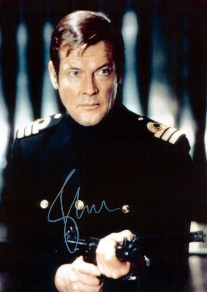 Roger Moore OO7 /James Bond Autographed Photo - (Ref:0000131)