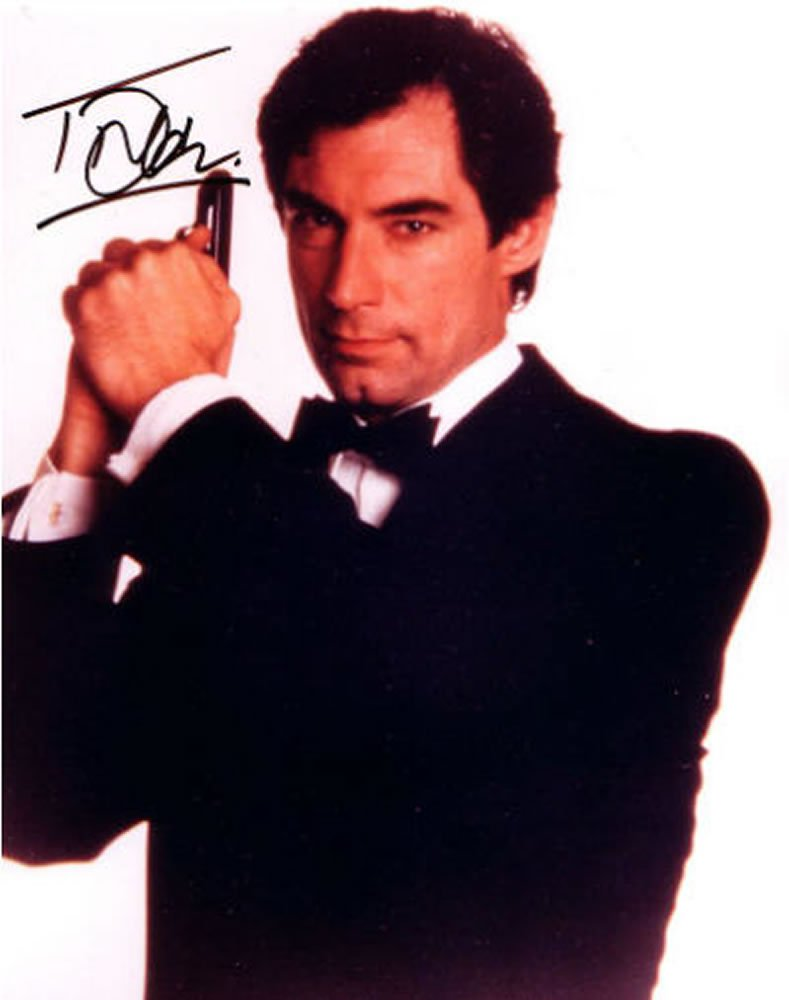 Timothy Dalton OO7 /James Bond Autographed Photo - (Ref:0000136)