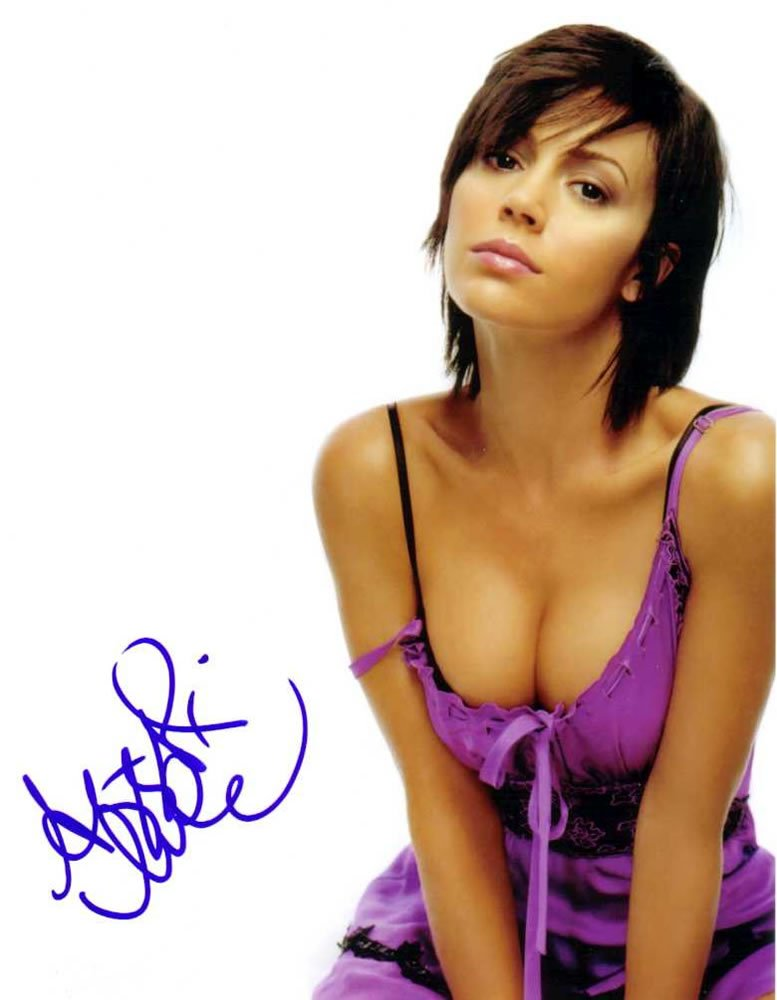 Alyssa Milano Charmed Autographed Photo - (Ref:0000148)