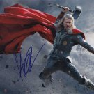 "Chris Hemsworth (Thor / Avenegers) ""8 x 10"" Autographed Photo (Ref:1414)"