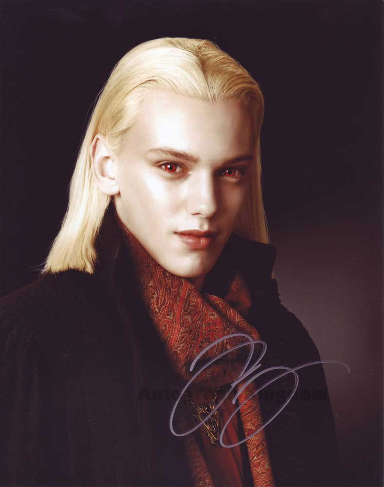 """Jamie Campbell Bower Twilight / Sweeney Todd 8 x 10"""" Autographed Photo - (Ref:1423)"""