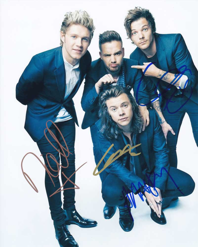 "One Direction Signed Group photo: Styles, Payne, Malik, Horan, Tomlison 8 x 10"" Autographed Photo #4"