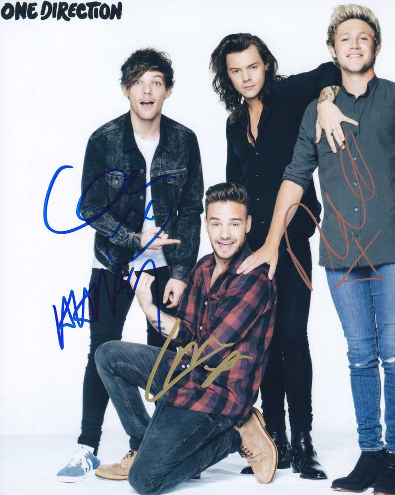 """Signed by 5 One Direction 8 x 10"""" Autographed Photo (Reprint) Payne, Horan, Styles, Malik"""