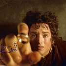 """Elijah Woods Lord Of The Rings / The Hobbit 8 x 10"""" Autographed Photo (Reprint 109)"""