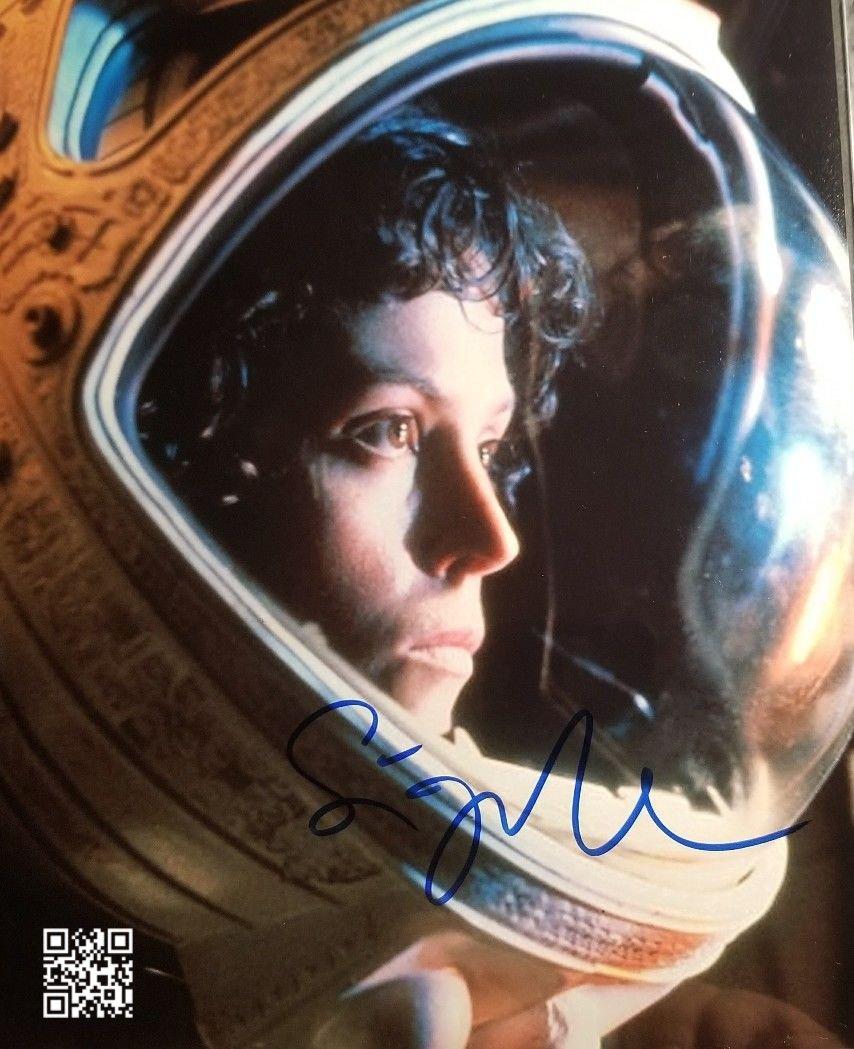 "Sigourney Weaver (Alien / Avatar / Ghost Busters) 8 X 10"" Autographed Photo (Reprint: 1898)"