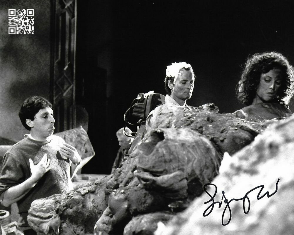 """Sigourney Weaver (Ghost Busters) Dual  8 X 10"""" Autographed Photo (Reprint: 1900)"""