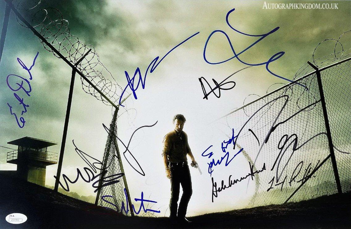 """The Walking Dead Cast 11 Signatures 12 x 10"""" Autographed Photo (Reprint 2145)"""