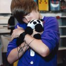 Justin Bieber 8 x 10 Autographed Photo What Do You Mean? (Reprint 709 Great Gift Idea!)