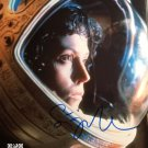 Sigourney Weaver Aliens / Avatar / Ghost Busters 8 x 10 Autographed / signed photo (Reprint)