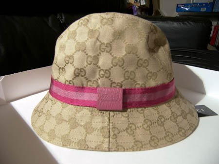 *sold* Gucci Canvas Jacquard PINK Logo Bucket Hat (S)
