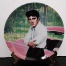 """Vintage 1988 - Elvis Presley Collectors Plate - """"Elvis At The Gates Of Graceland""""       (1592)"""