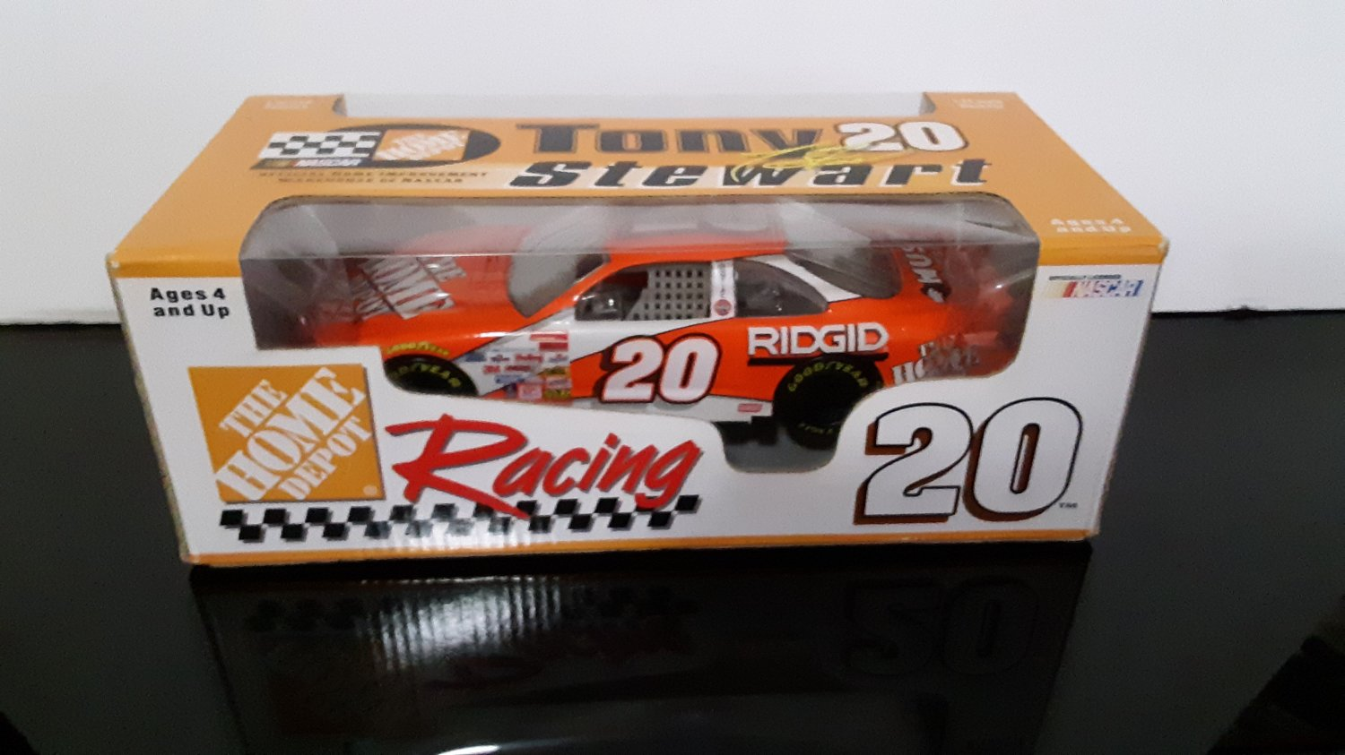 New! In Box - Tony Stewart 1999 Home Depot by Action 20 Pontiac 1/24 NASCAR die-cast   (1606)