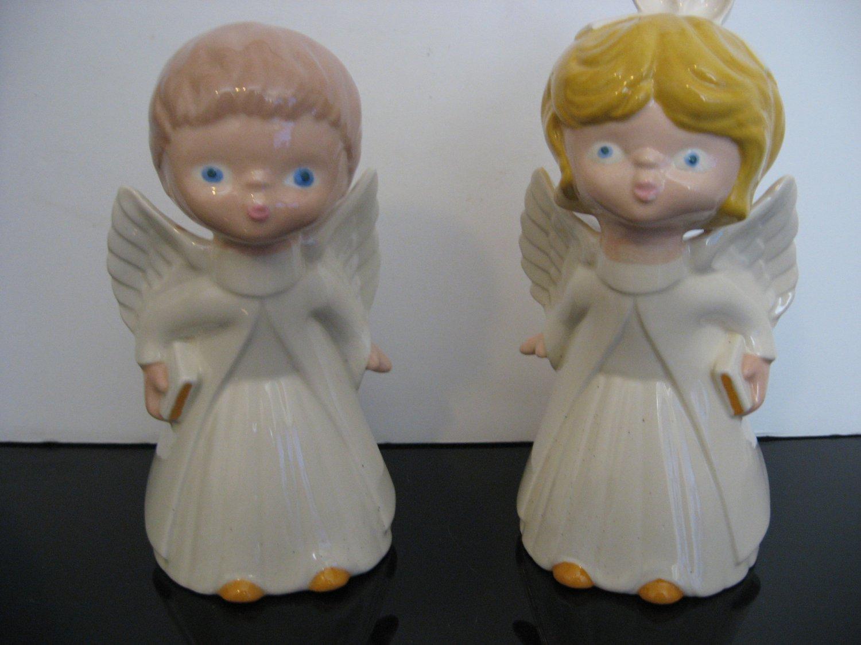 Vintage 1988  - Kissing Boy & Girl Angel Figurines       (479)