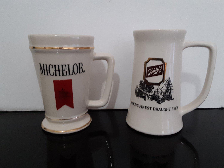 Vintage Set of 2 Beer Steins - Michelob & Schlitz       (1711)
