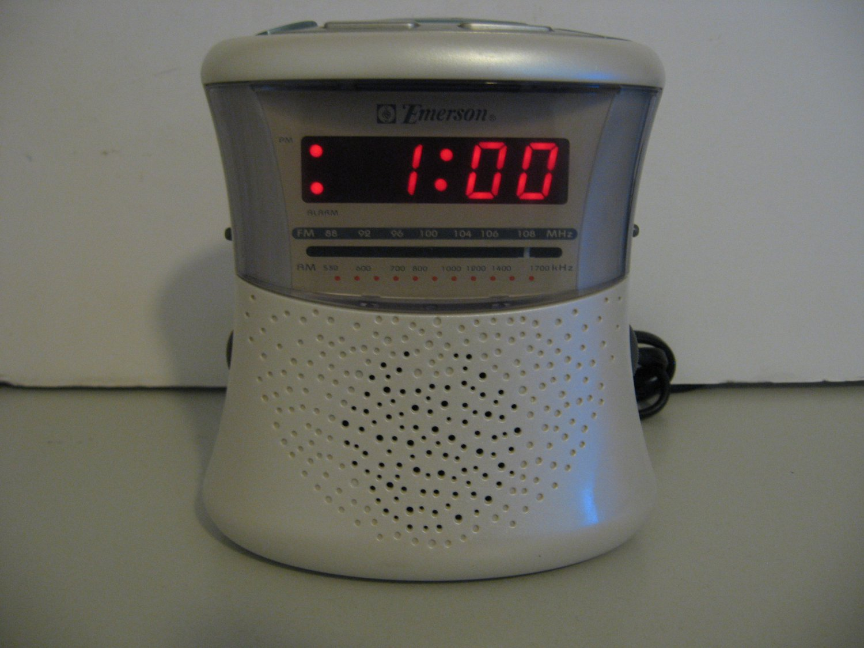 Vintage Emerson  - Alarm Clock AM/FM Radio - Rare and Unique Style    (755)