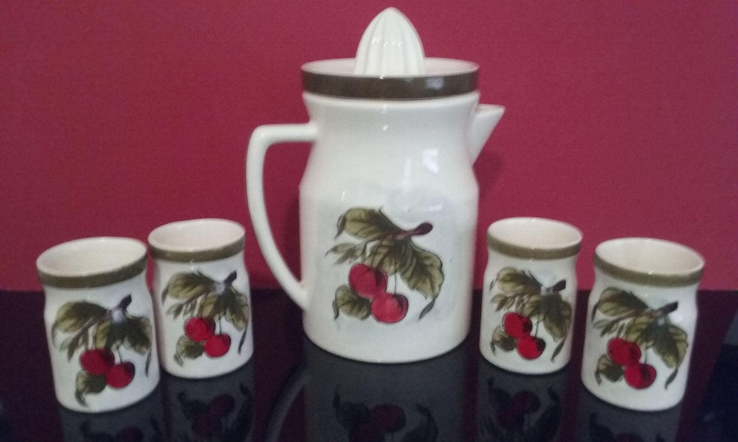 Vintage  - Pitcher With Juicer & 4 Cups - Cherry-Cherry - By Gift Ideas Creations Phila PA.