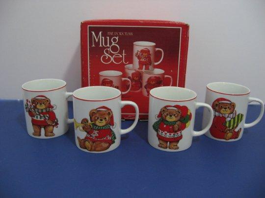 New Old Stock - 1970's Christmas Bears - Set of 4 Fine Porcelain  Mugs - Made in Japan