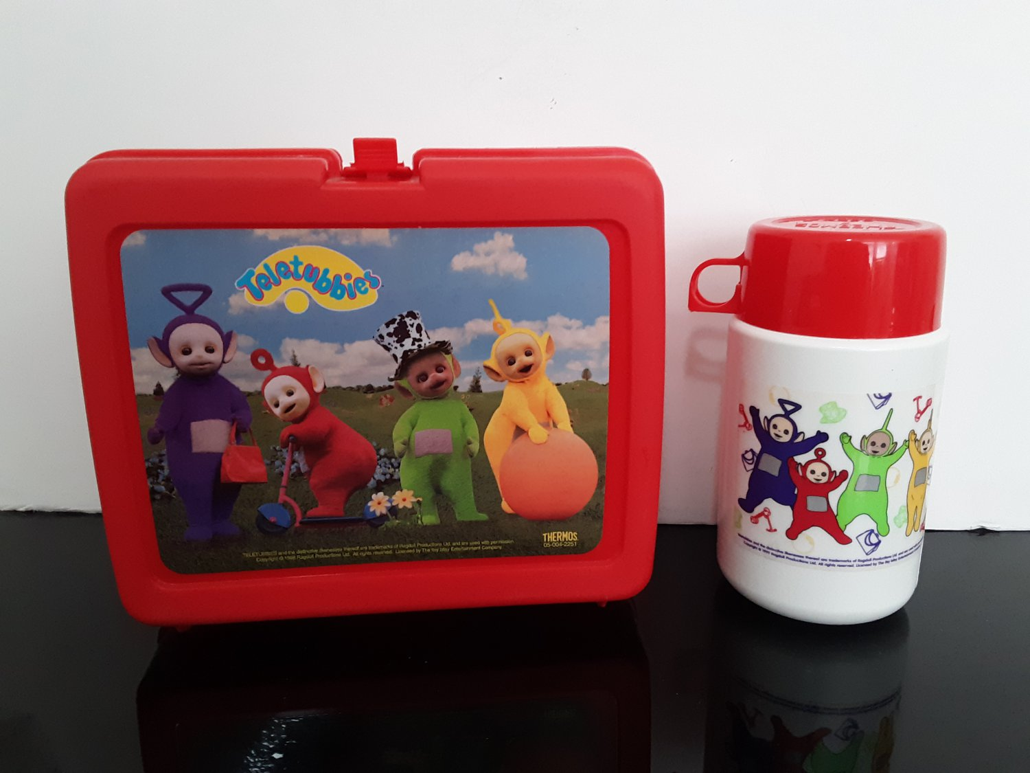 Vintage 1998 Teletubbies Plastic Lunchbox w/ Thermos Complete!