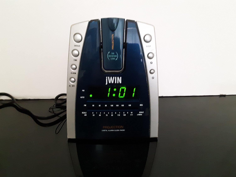 Jwin - Alarm Clock Radio Projector