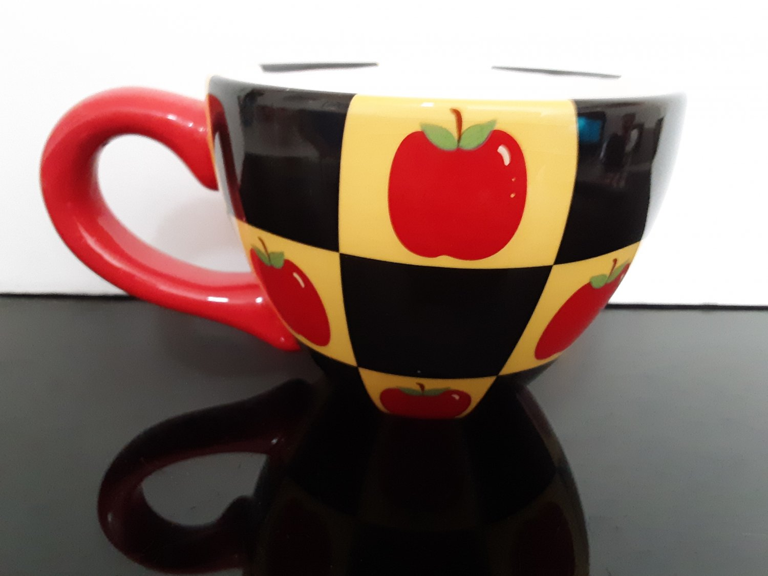 "Large ""Lady Jayne"" Soup / Coffee Mug - Apples over checker board"