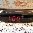 Vintage General Electric AM/FM Alarm Clock Radio  7-4835B