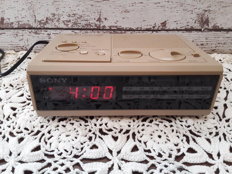 Vintage Sony Dream Machine - Alarm Clock Radio - Tan