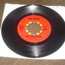"Dick & DeeDee: ""Turn Around"" / ""Don't Leave Me"" - '63 Folk hit - Excellent!"