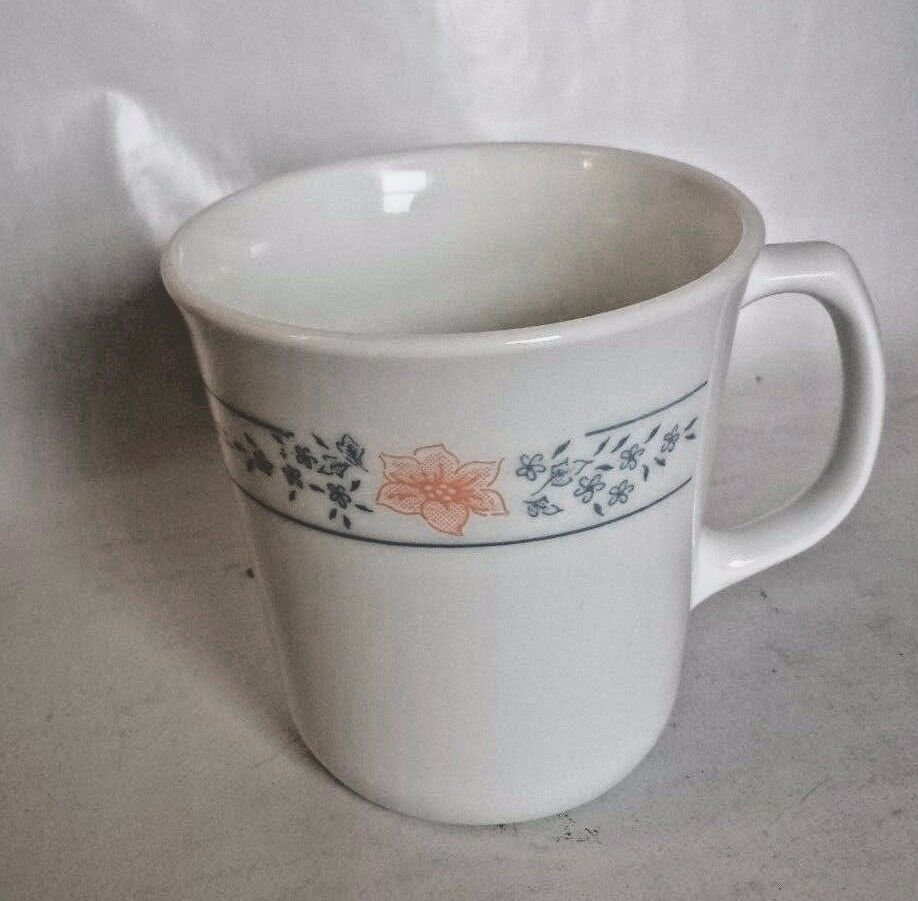 Corelle By Corning VTG Apricot Grove Coffee Tea Mugs Peach flowers Blue floral