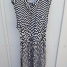 womens 3x Black and white chevron patterned shirtwaist dress with self tie